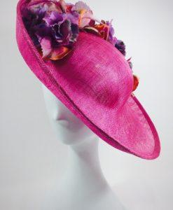 Sombrero pequeño fuscia y flores MADDY