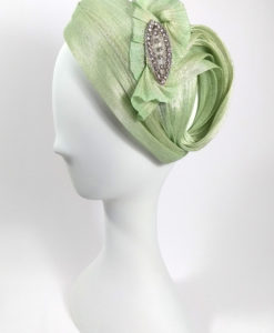 Casquete en sinamae de seda en color verde CINTIA1