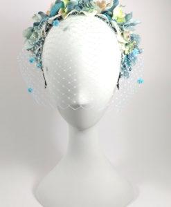 Diadema con tul floral en tonos celeste ADELE