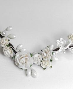 Tocado Novia con pistilos, flores y piezas metalicas NIARA