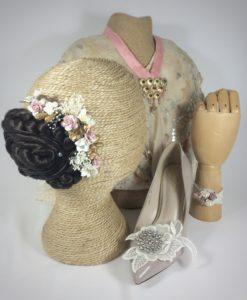 Fallera adornos pulsera, peineta floral y adorno zapato