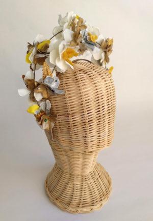 Diadema floral ocre dorado FRIDHA