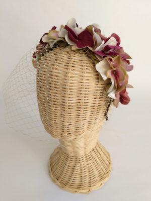 Diadema floral vino con tul ADELAIDA