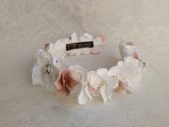 Diadema hortensias blanco y nude CARLA