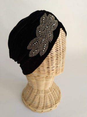 Turbante terciopelo negro con pedreria STRASS