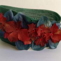 Turbante verde con flores XENIA